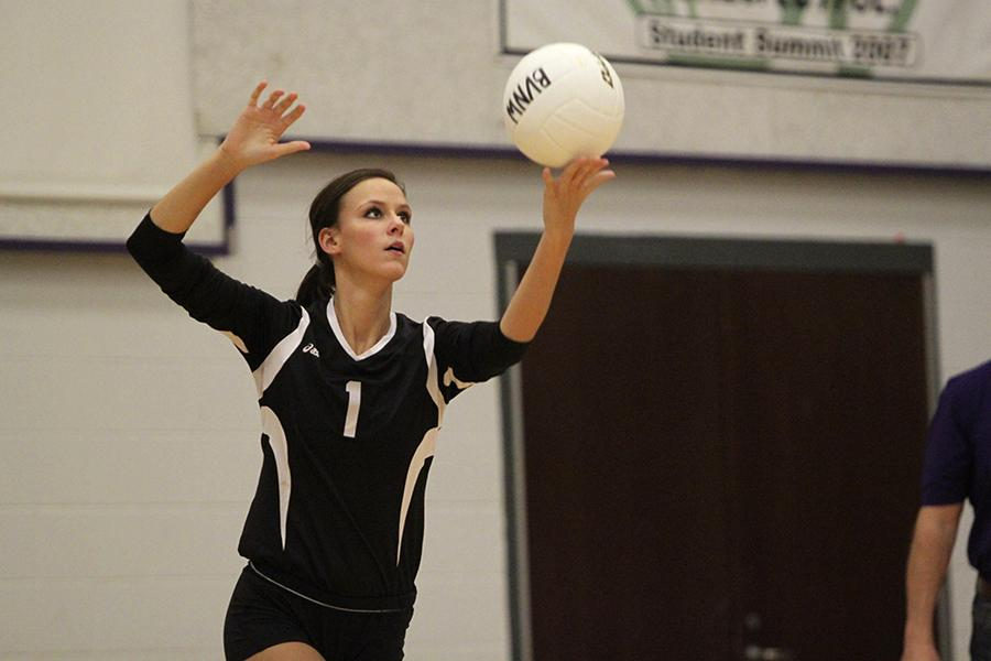Husky volleyball ranks first in 6A class