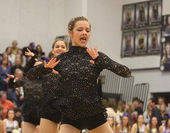 Dazzler dance team goes to nationals