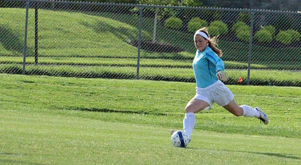 Girls varsity soccer defeated by STA on Senior Night