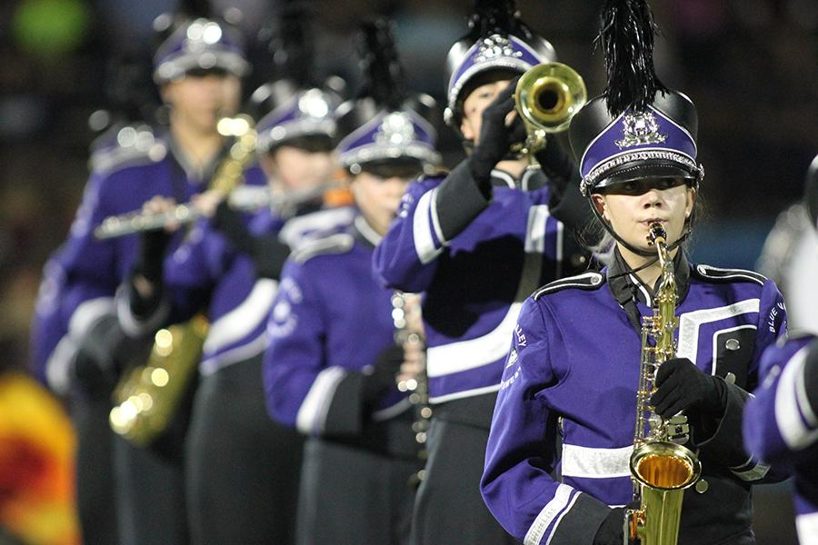 Howlin%27+Husky+marching+band+takes+Superior