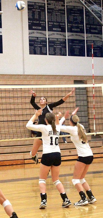 Photo Gallery: Volleyball State Line Showdown