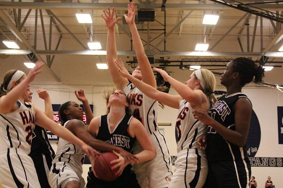 Girls+basketball+loses+to+Olathe+East+High+School+in+KA-MO+tournament+championship