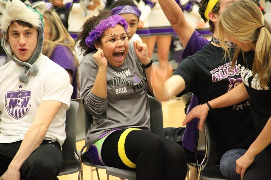 Photo Gallery: Sweetheart Assembly