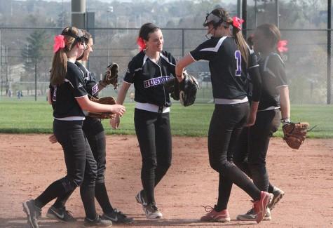 Varsity softball defeats Pittsburg in double header
