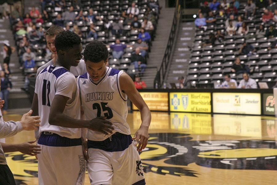 Boys basketball defeats Wichita South, heads to state semifinals