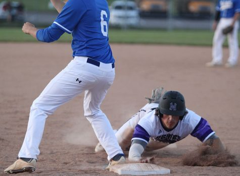 Baseball defeats GEHS for senior night, 5-1