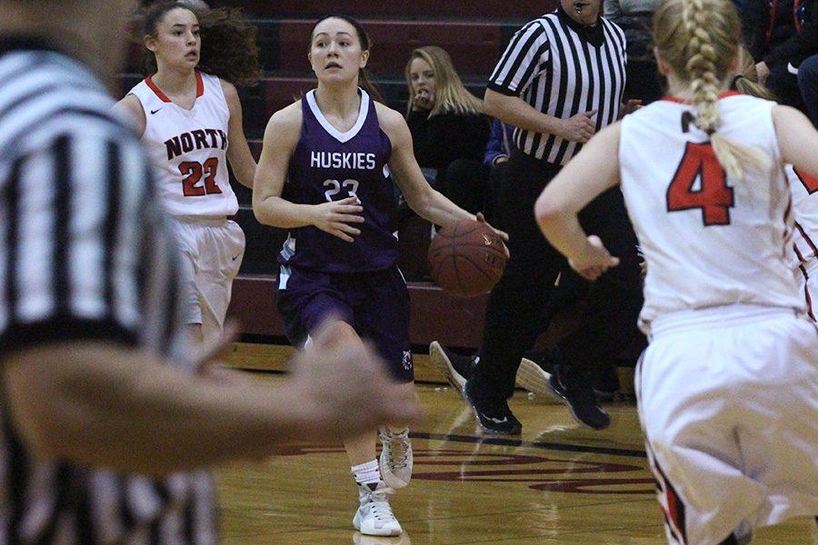 Girls varsity defeats SMN, 58-47