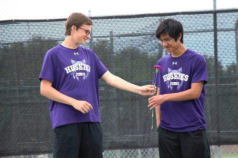 Boys tennis win Senior Night dual, 9-2