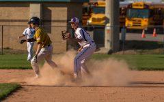 Varsity baseball loses in extra innings, 4-6