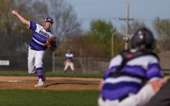 Varsity baseball splits double-header against Mill Valley