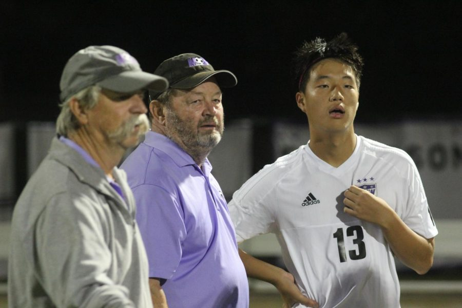 After coaching at BVNW for over two decades, head soccer coach Rick Pribyl announced his retirement.