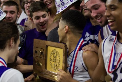 Back-to-back: No. 1 Huskies repeat as state champs with 51-40 win over No. 2 Firebirds