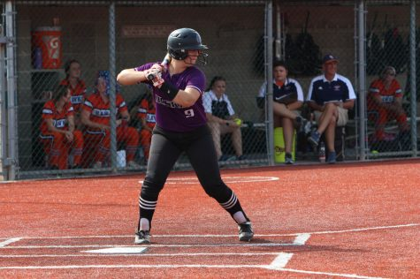 Missey's 4 RBI's give No. 2 Huskies 10-4 win over No. 15 Jaguars