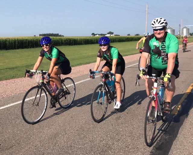Beemer+rides+with+her+parents+during+the+2017+edition+of+the+Ragbrai.+