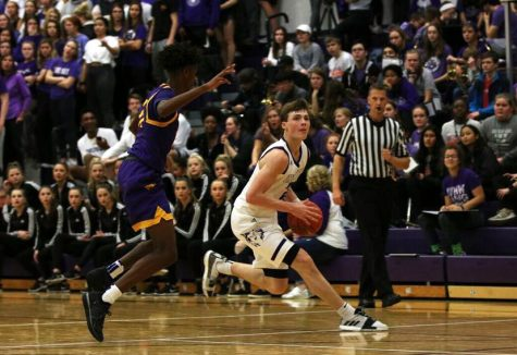 No.1 BVNW sweeps past BVSW, 70-48, in Sweetheart game
