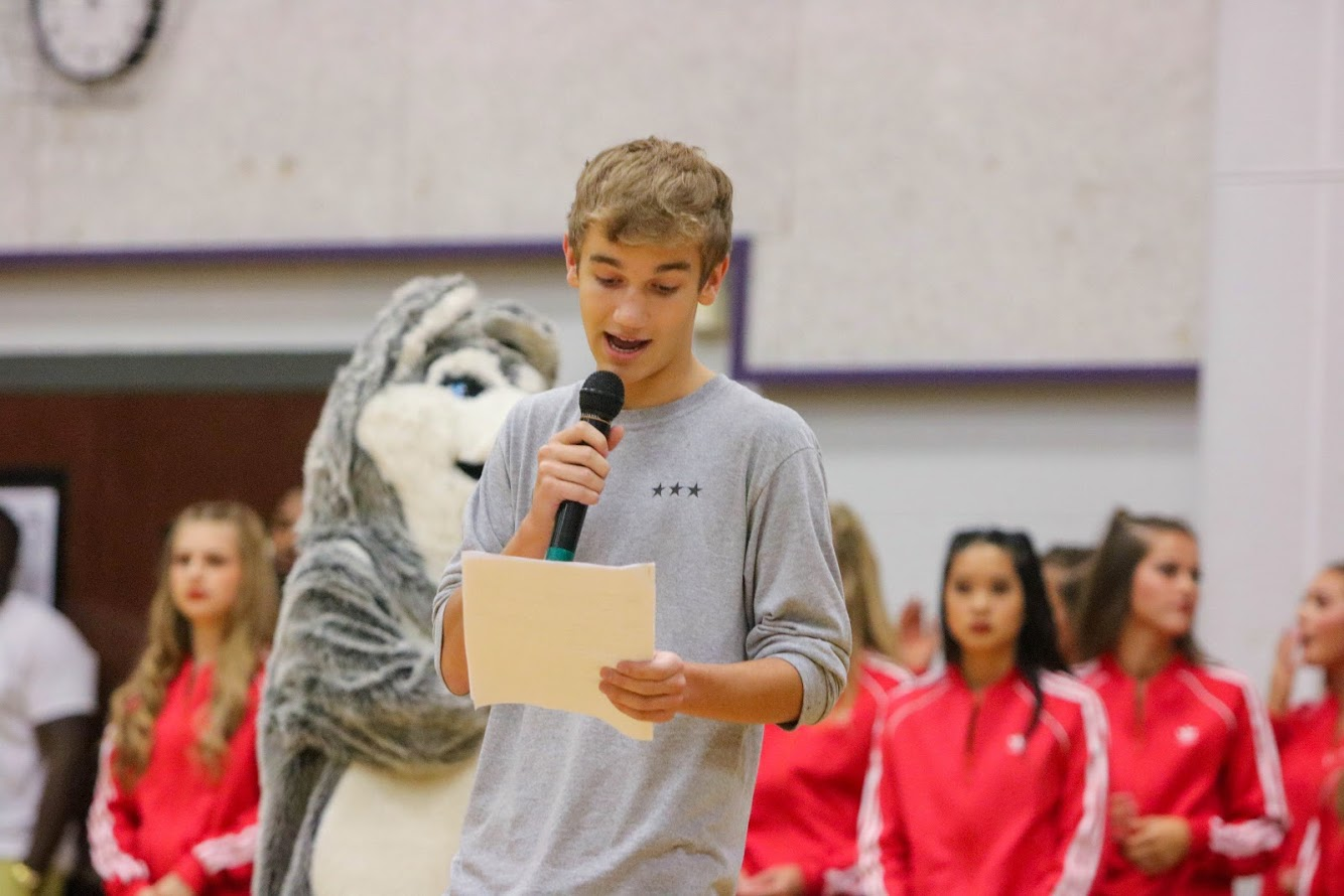 Senior+Maclain+Michael+speaks+to+the+BVNW+student+body+during+the+first+pep+assembly.+