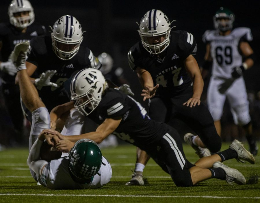 Huskies dominate in 2021 Homecoming game, defeating Blue Valley Southwest, 55-8